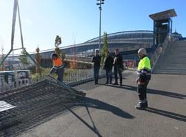 Inici de les obres d'arranjament de les rampes d'accés a la passarel·la de l'estació de Renfe