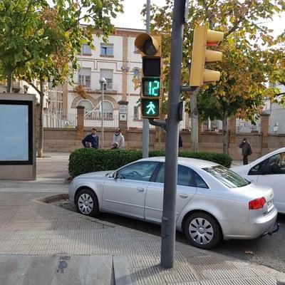 La Paeria millora la senyalització dels semàfors per a vianants i ciclistes