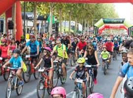 Imatge de la notícia La Pedalada Popular aplega 2.000 participants per un circuit pels carrers de Lleida