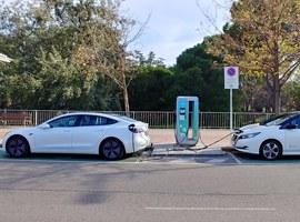 Imatge de la notícia Lleida compta amb dos noves estacions de recàrrega ràpida de vehicles elèctrics