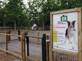 Imatge de la notícia Obres per habilitar una gran àrea de jocs per a gossos, la quarta de la ciutat, als Jardins Primer de Maig