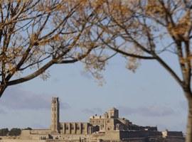 Pas endavant per a la restauració de les muralles del Baluard del Rei del Turó de la Seu Vella
