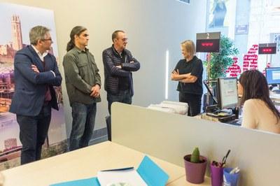 La Paeria i Aqualia inicien converses per firmar un conveni que permetria instal·lar comptadors socials d'aigua per a les famílies vulnerables