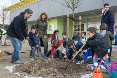 La Paeria planta 862 arbres i 1.203 plantes arbustives malgrat l'aturada pel Covid-19