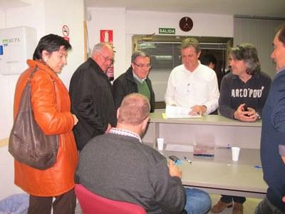 L'alcalde visita les taules de les eleccions a les cambres agràries