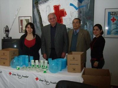 Medi Ambient lliura vaixelles compostables a Creu Roja de Lleida