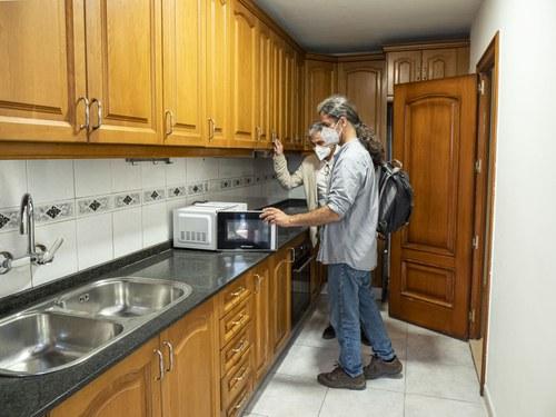 Imatge de la notícia  S'inicia l'allotjament en habitatges per a temporers
