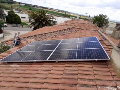 Vint famílies participen en la compra col·lectiva de panells fotovoltaics a Sucs assessorades per l'Agència de l'Energia de Lleida