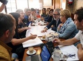 """Imatge de la notícia Fèlix Larrosa: """"'Barri a Barri' és un projecte de participació i de bilateralitat amb els representants veïnals"""""""