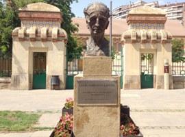 L'Ajuntament de Lleida neteja l'estàtua del president Companys